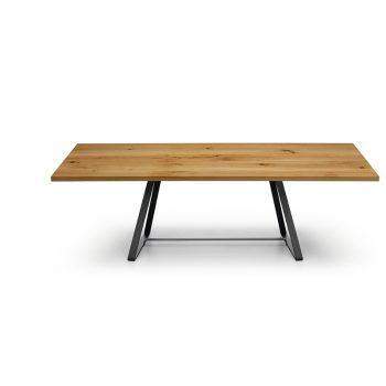 Mesa fija con estructura de acero y cubierta de madera o cristal-cerámico.