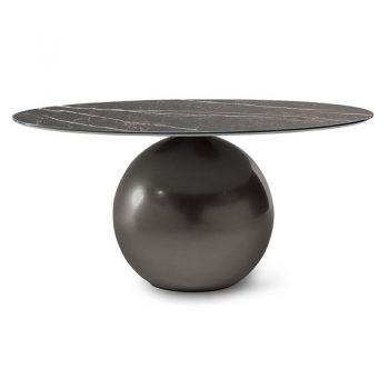 Mesa fija con estructura de acero y cubierta de Acero