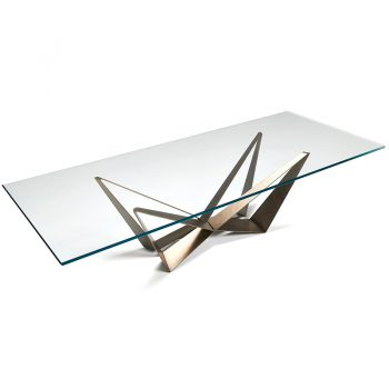 Mesa Fija con estructura de acero lacado y cubierta disponible en diferentes terminaciones.