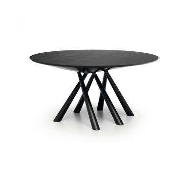 Mesa fija con estructura de acero lacado y cubierta de madera enchapada lacada o cristal-cerámico.