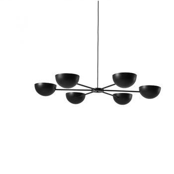 Lámpara suspendida con luz directa. Color negro.