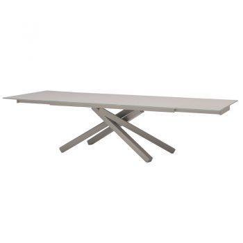 Mesa fija con base de acero y cubierta de vidrio.