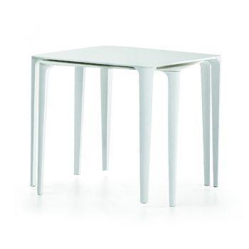 Mesa fija con base de acero lacado y cubierta de melamina y hpl.