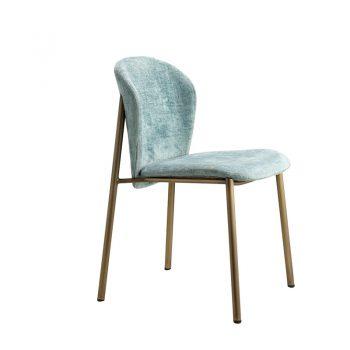 Silla Finn de estructura metálica y asiento de terciopelo en diferentes colores.