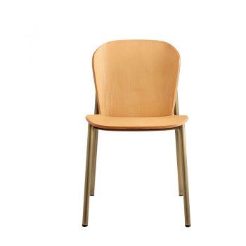 Silla Metal Madera Finn tiene estructura de metálica y asiento de madera en diferentes colores.