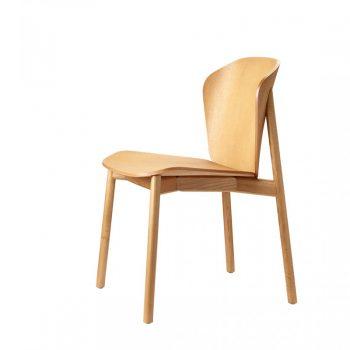 Silla Todo Madera Finn tiene estructura de madera y asiento de madera en diferentes colores.
