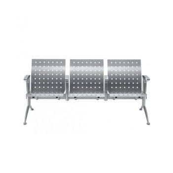 Sistemas de bancas de poliuretano con perforaciones circulares y marco de aluminio.